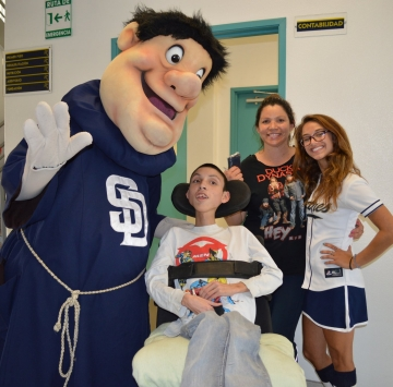 McDonald's and San Diego Padres Raise $460,000 for Tijuana's Hospital Infantil